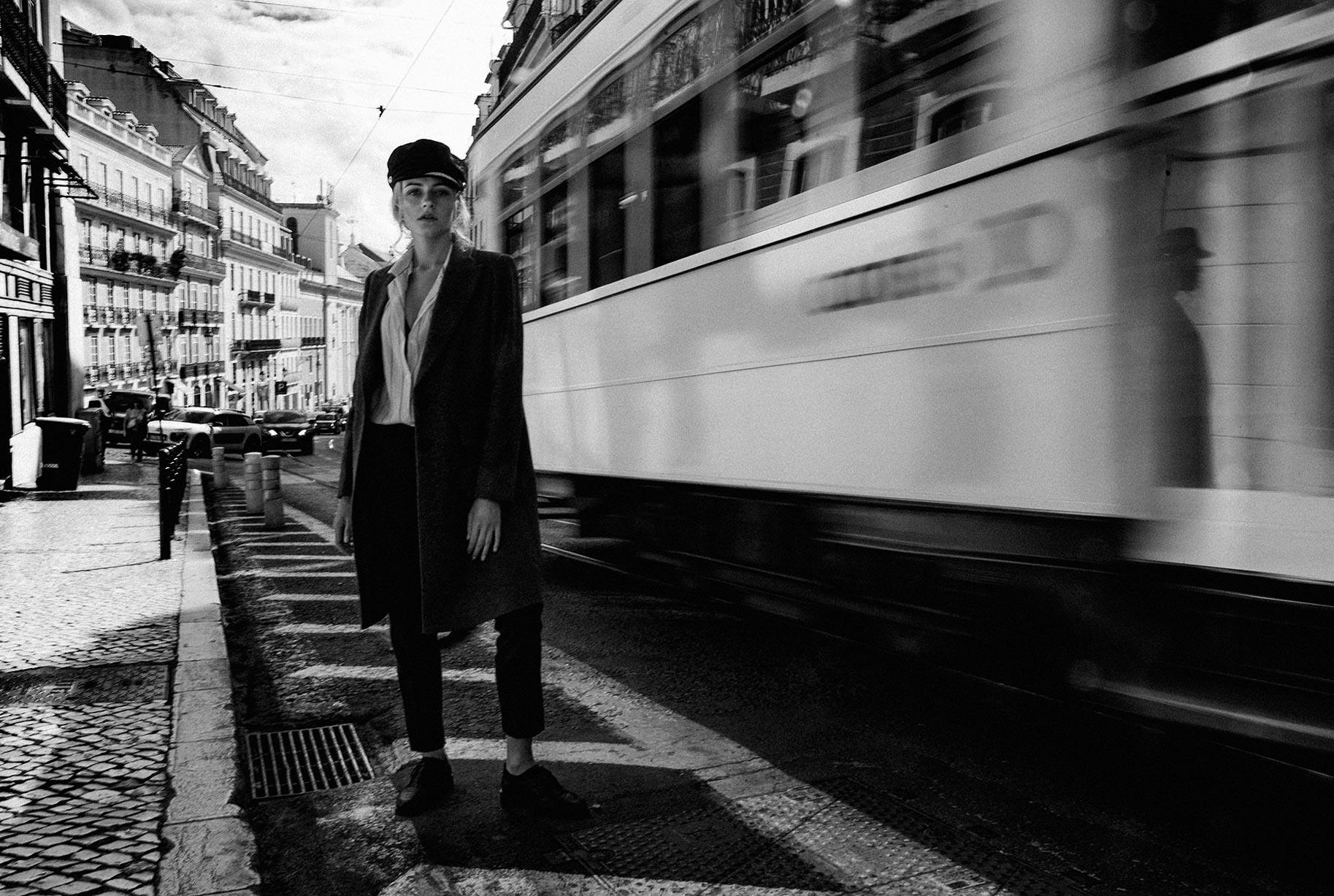 Яна Нагорняк гуляет по осеннему Лиссабону / фото 32