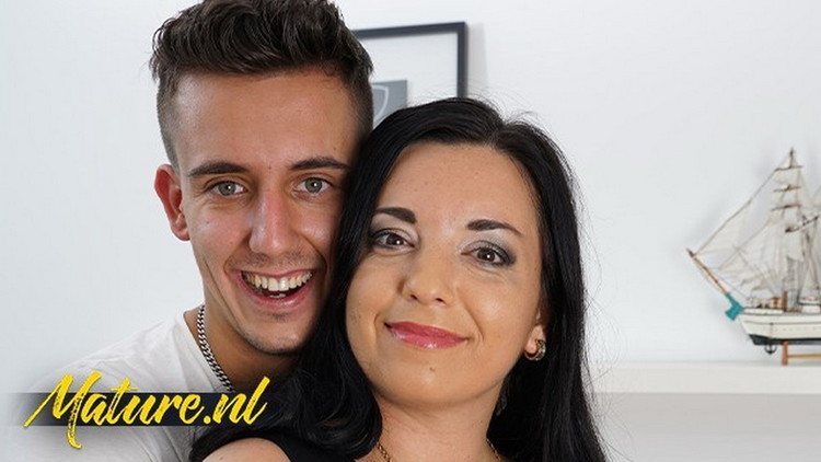 Unknown ~ Busty MILF Seduced The Boy Next Door For Some Afternoon Fun ~ MomsGuideToSex ~ FullHD 1080p