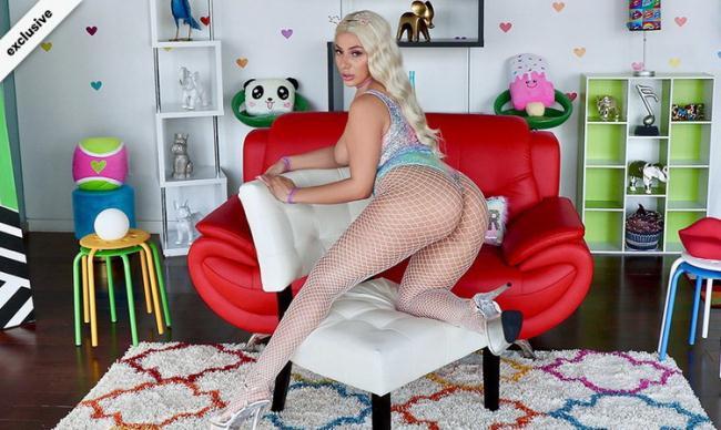 Nympho.com - Valentina Jewels