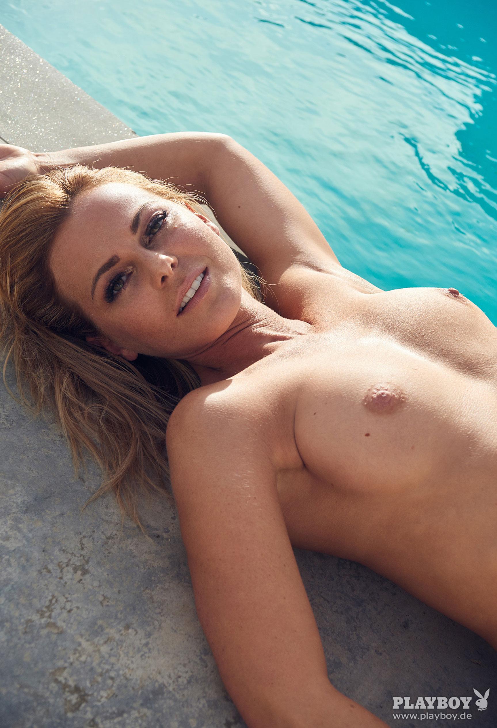 фитнес-модель и тренер, телезвезда Марейке Спалек в журнале Playboy Германия, апрель 2018 / фото 05