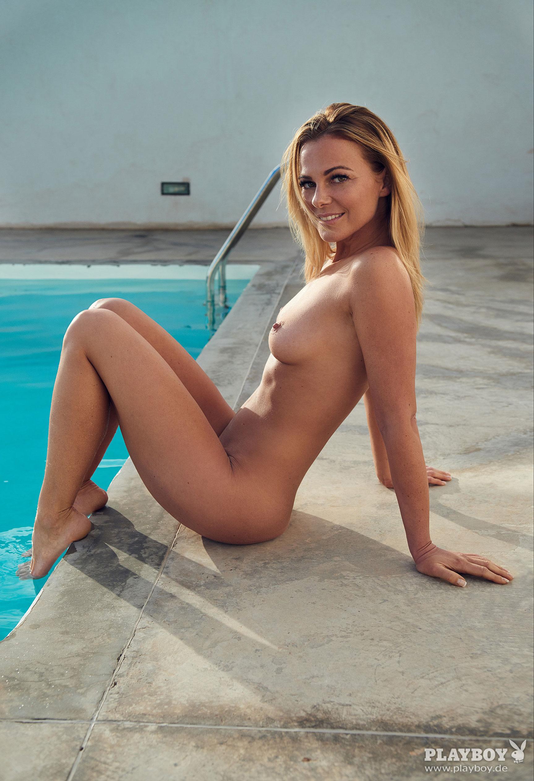 фитнес-модель и тренер, телезвезда Марейке Спалек в журнале Playboy Германия, апрель 2018 / фото 06