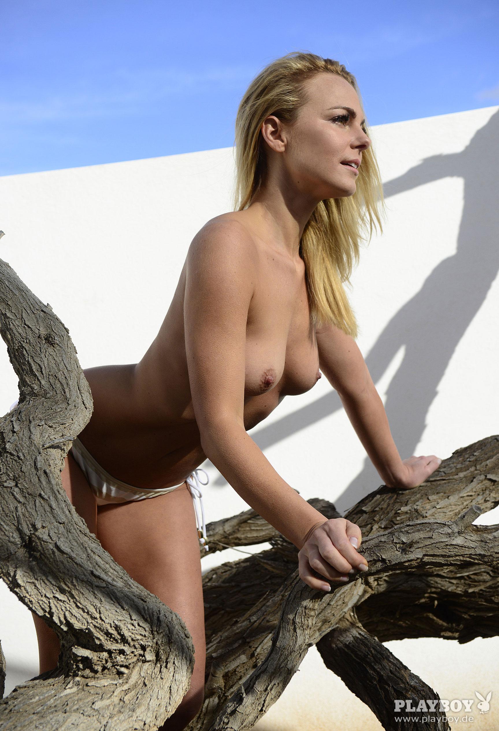 фитнес-модель и тренер, телезвезда Марейке Спалек в журнале Playboy Германия, апрель 2018 / фото 21
