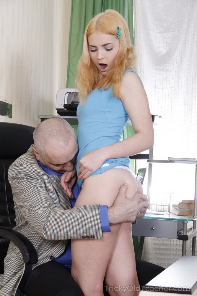 Lolly Small - Old computer teacher gives student a helping dick [FullHD/1080p/839 MB] TrickyOldTeacher