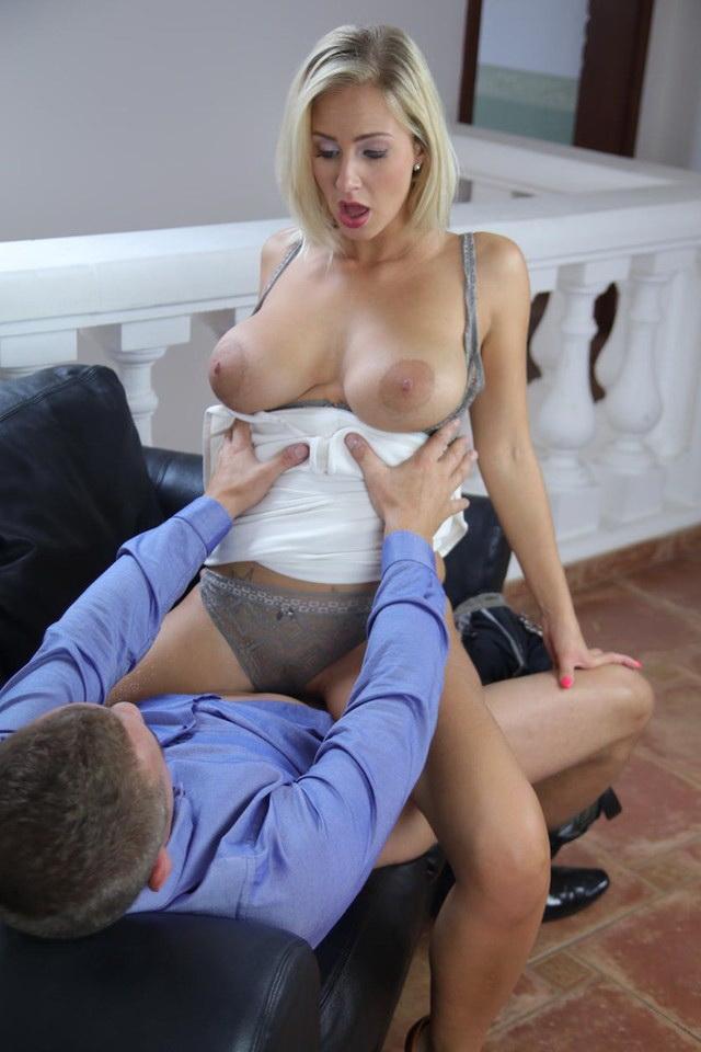 Nathaly Cherie aka Natalie Cherie - Romantic Fuck for Leggy Blonde MILF [MomXXX/SexyHub] FullHD 1080p