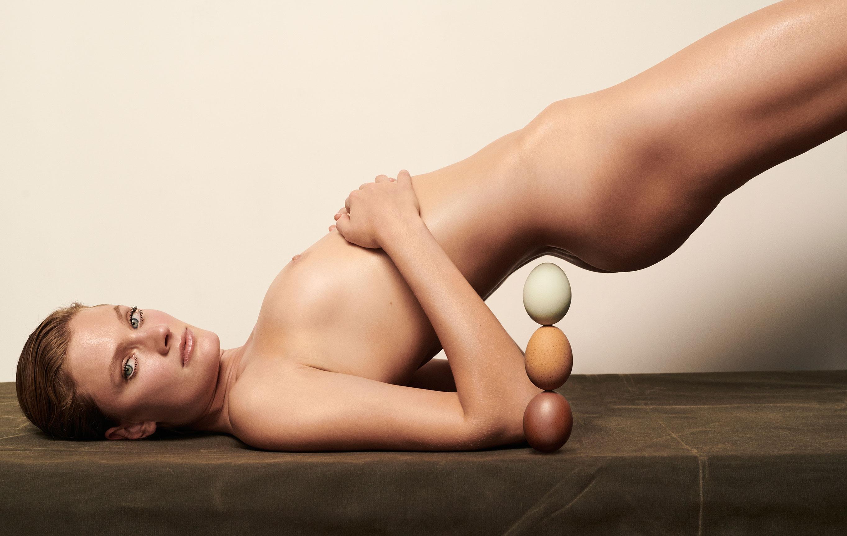 Полезная еда и голая женщина / фото 10
