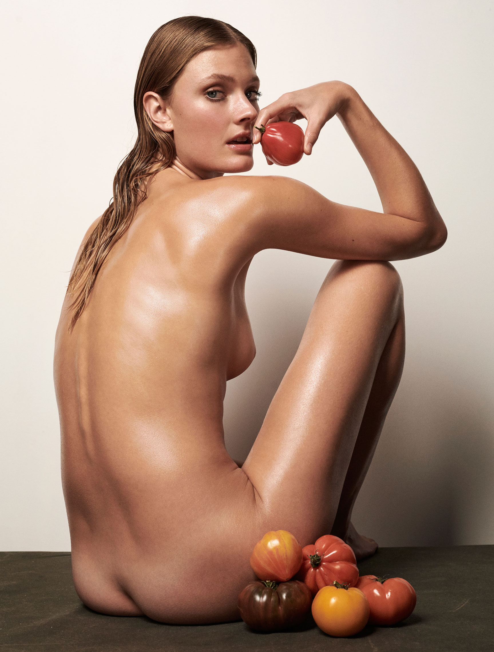 Полезная еда и голая женщина / фото 13