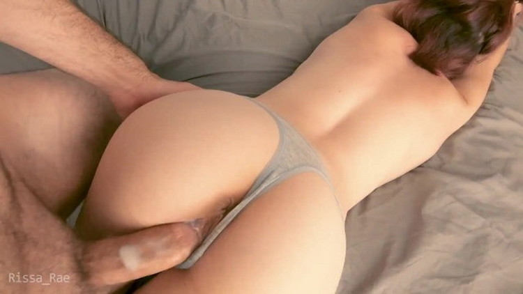 Cute amatuers pussy gets stretched out and coated with cum after fucking doggystyle