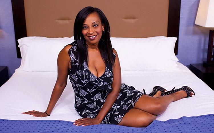 Lauren ~ 41 year old hot busty big booty black mom ~ MomPov ~ HD 720p