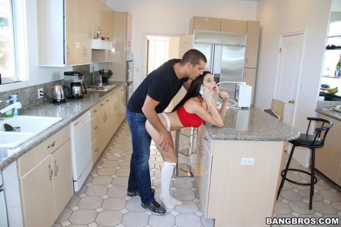 Lana Rhoades - Sexy Housesitting with Lana (2021 BangBros18.com BangBros.com) [FullHD   1080p  3.86 Gb]