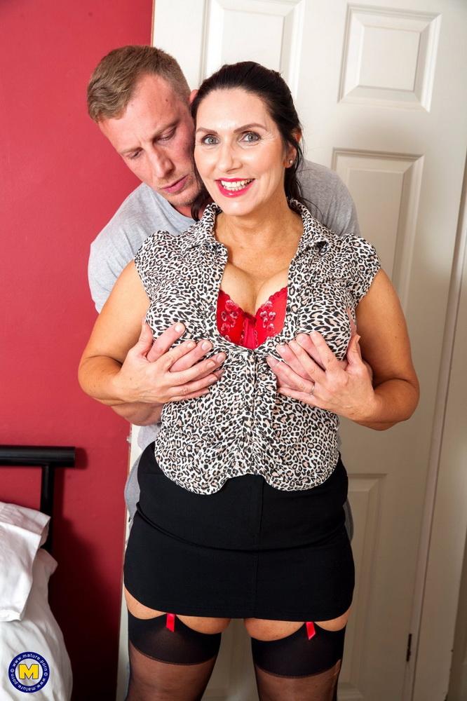 Josephine James - British big breasted Temptress having a date night [Mature.nl/Mature.eu / FullHD 1080p]