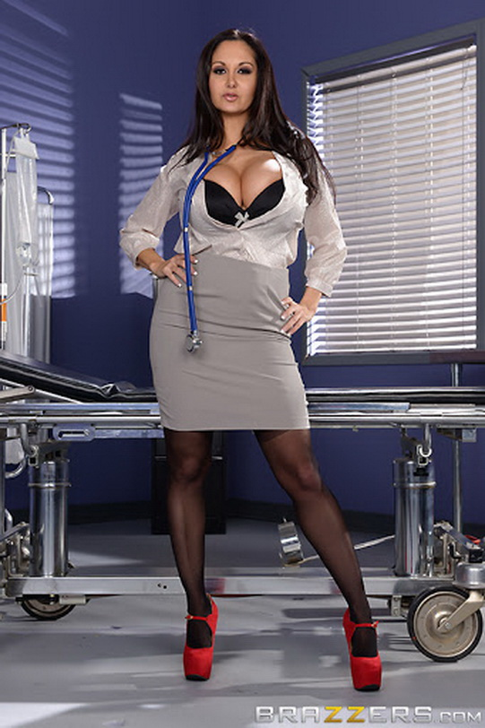 DoctorAdventures/Brazzers: Ava Addams - The Dick Doctor [SD 480p] (Big Tits)