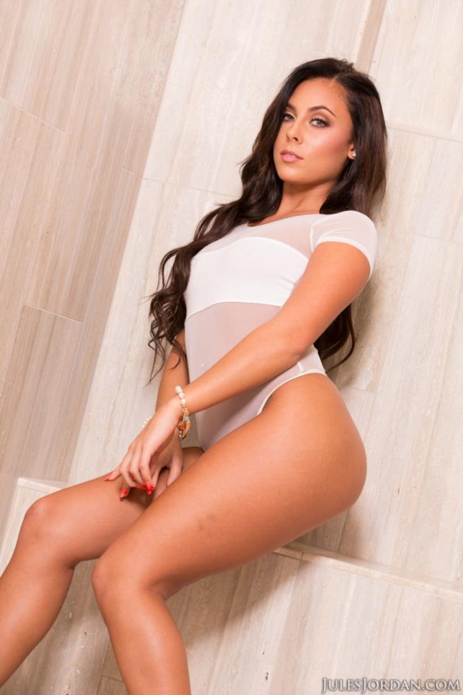 Gianna Nicole ~ Takes A Big Cock In Her ASS! ~ JulesJordan ~ FullHD 1080p